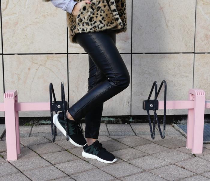 leopard.adidas.4